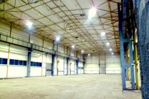 Oświetlenie LED hali produkcyjnej